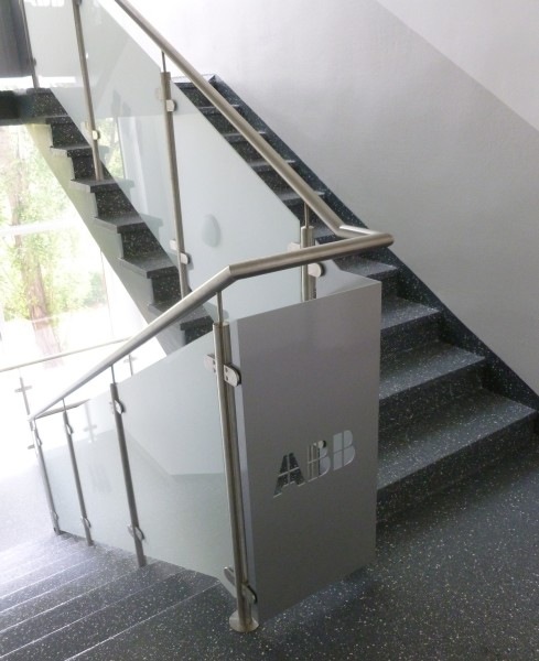 Treppengeländer Edelstahl, Glas